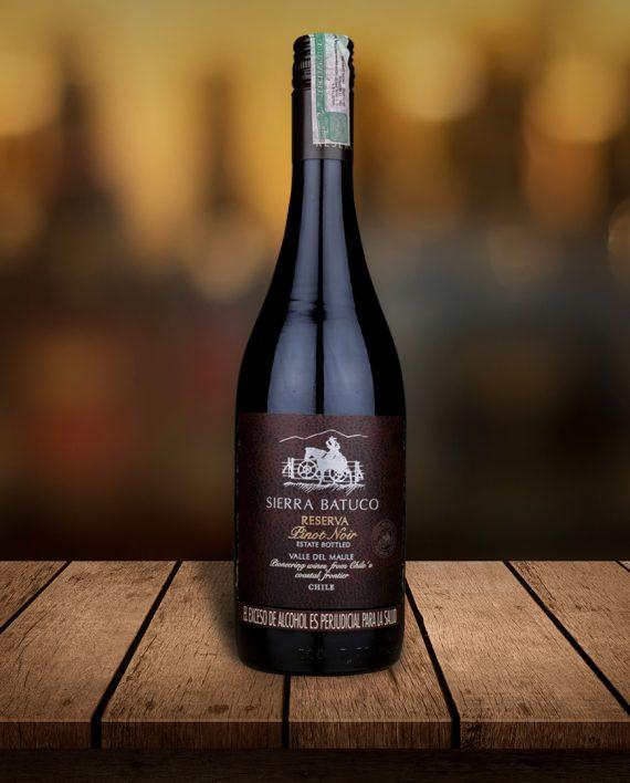 Botella de Pinot Noir